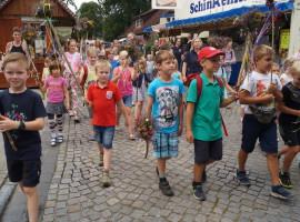 Umzug über den Müdener Markt